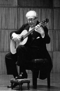 Andres Segovia Playing Posture